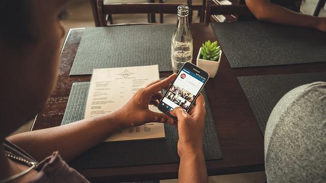 スマホで写真撮って経費精算とか電子帳簿とかって本当に便利なのか?