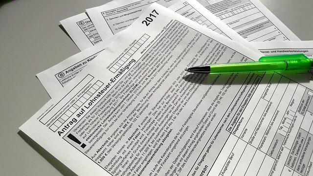 7月10日までに行う税金&社会保険の手続き